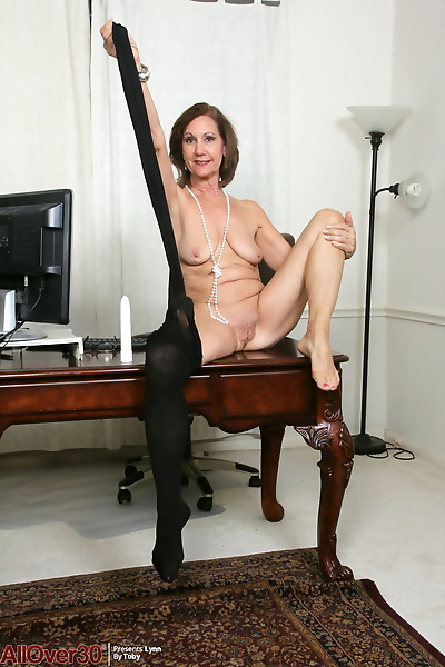 Horny older Lynn with naked..