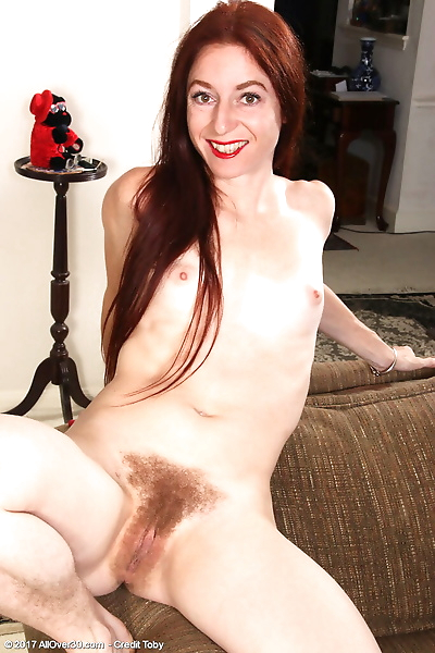 30 plus redhead Evane..