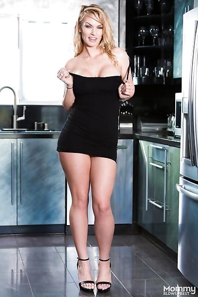 Hot blonde Rachael Cavali..