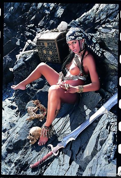 Busy cosplay pirate Bettina..
