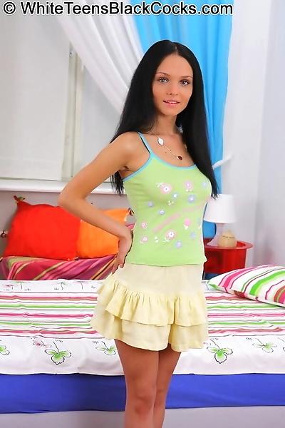 Teen brunette anabell bella..