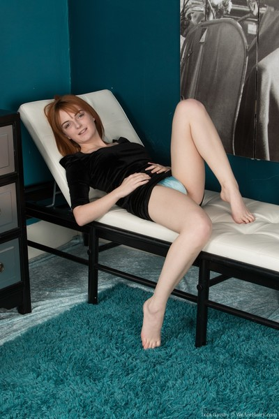 Lola Gatsby gets naked on..