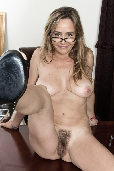In her purple dom and glasses, the ravishing Sarah Michaels is smart. Removing her dom and underclothes shows off her..